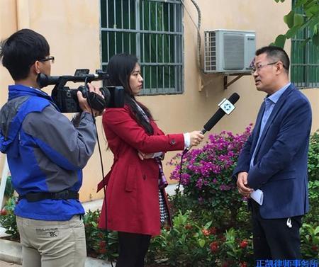 """李武平主任接受""""六五""""普法环岛行活动海南电视台等6家媒体采访"""